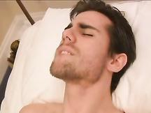 Ragazzo gay insospettabile se la fa con una checca