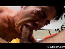 Mega cazzo gay in bocca e in culo