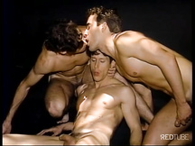 Scopata threesome gay