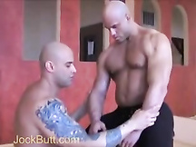Video porno - coppia maschioni gay dotati