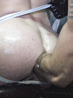 Buchetti gay squartati - Foto 14