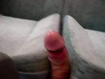 Masturbazione con sborrata sul treno