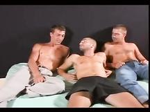 Tre maschi molto caldi