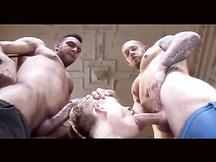 Gran scopata tra pornostar gay