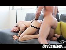 Giovanotto gay a un casting porno
