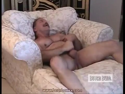 Maduro se masturba con el culo de una mujer - 1 part 8