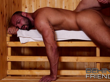 SCOPATA GAY IN SAUNA