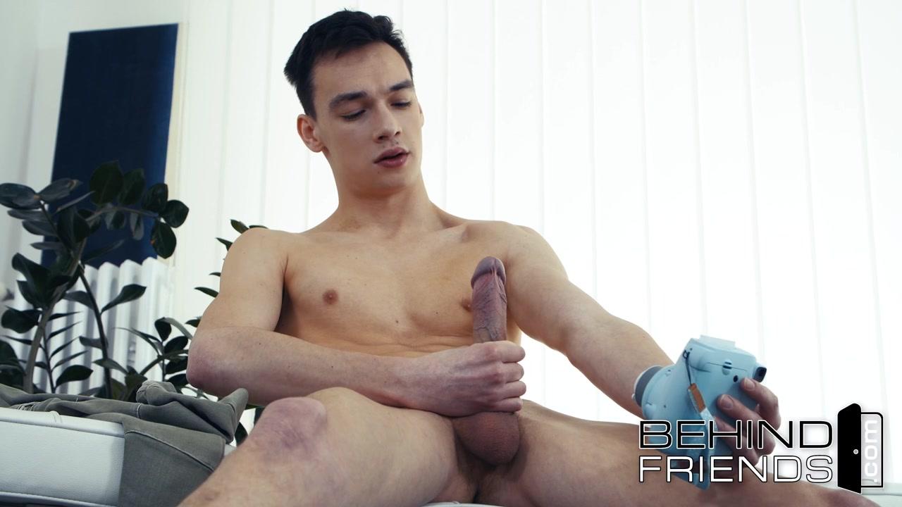 In ragazzo webcam masturba si