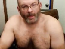 Bel papà peloso si sega